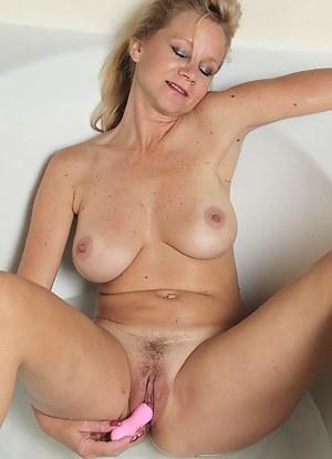 Best HD Masturbation Porn Pictures