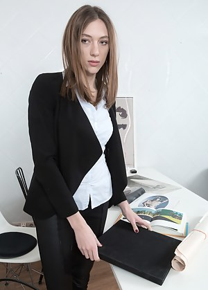 Best HD Secretary Porn Pictures