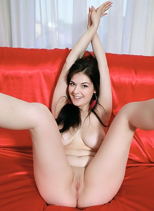 Best HD Spreading Porn Pictures